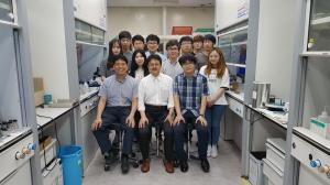 16 (2017 With Prof. Ito at POSTECH)